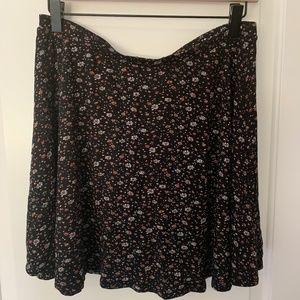 XL Wet Seal mini floral swing skirt